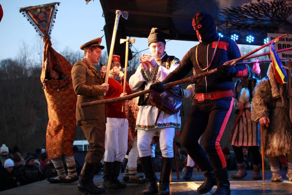 festivalul-de-datini-obiceiuri-si-traditii-de-iarna-borlesti-2016-238