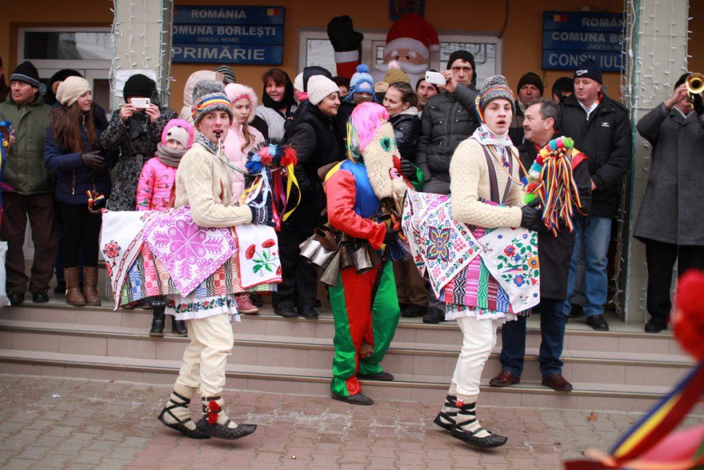 festivalul-de-datini-obiceiuri-si-traditii-de-iarna-borlesti-2016-24