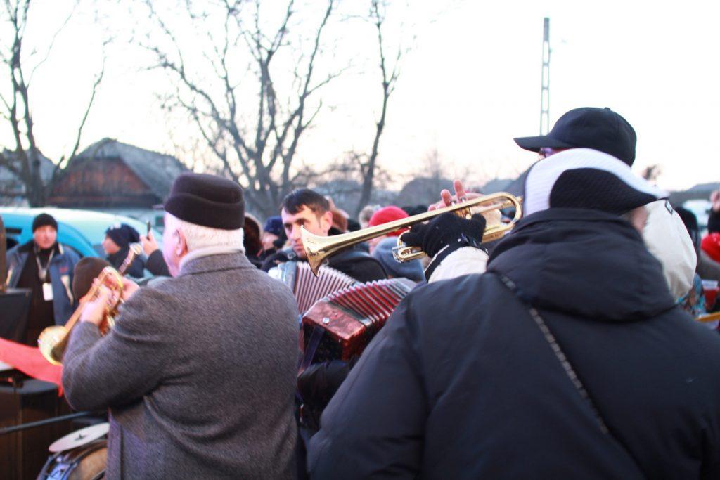 festivalul-de-datini-obiceiuri-si-traditii-de-iarna-borlesti-2016-243