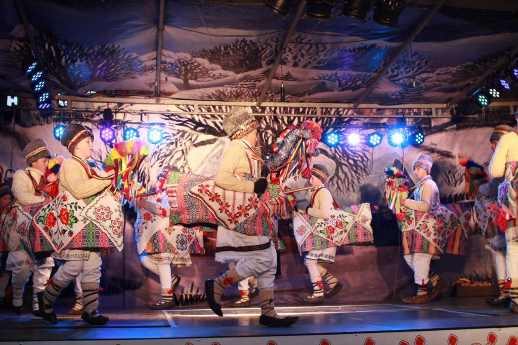 festivalul-de-datini-obiceiuri-si-traditii-de-iarna-borlesti-2016-245