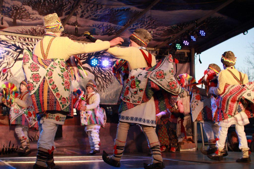 festivalul-de-datini-obiceiuri-si-traditii-de-iarna-borlesti-2016-247