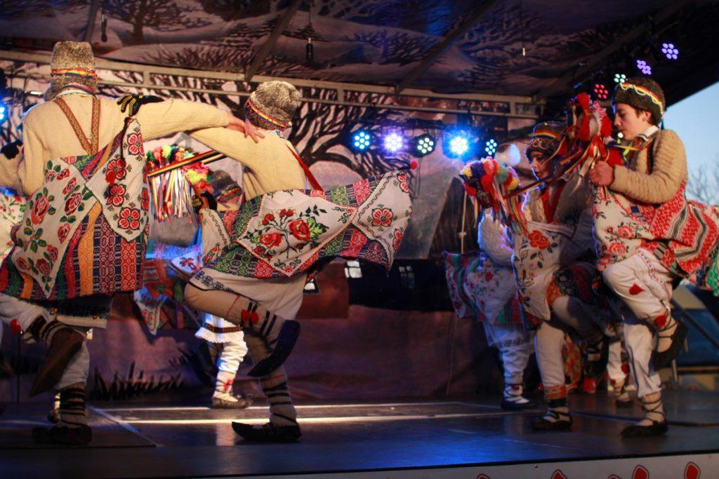 festivalul-de-datini-obiceiuri-si-traditii-de-iarna-borlesti-2016-248