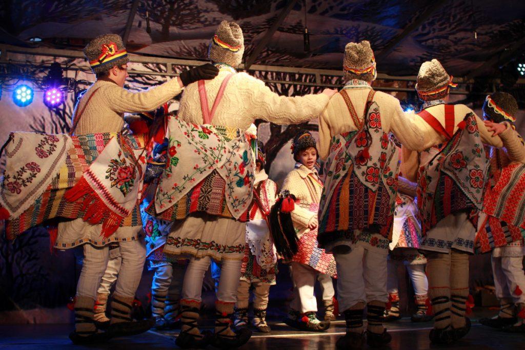 festivalul-de-datini-obiceiuri-si-traditii-de-iarna-borlesti-2016-249