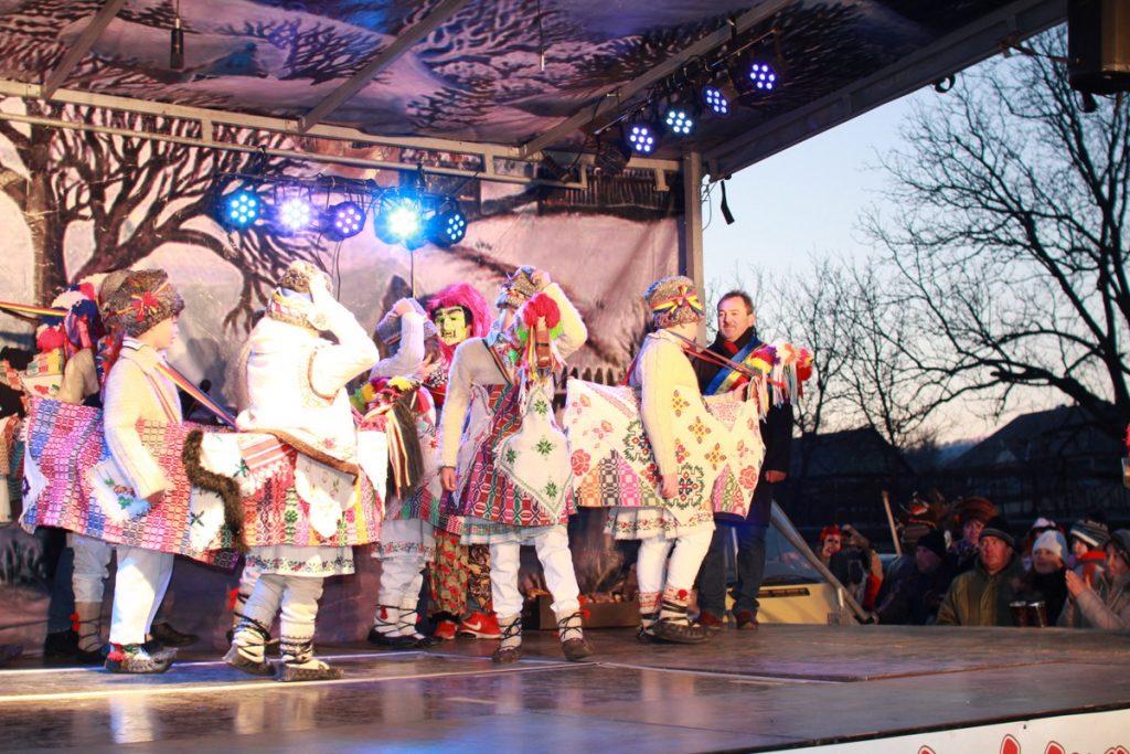 festivalul-de-datini-obiceiuri-si-traditii-de-iarna-borlesti-2016-251