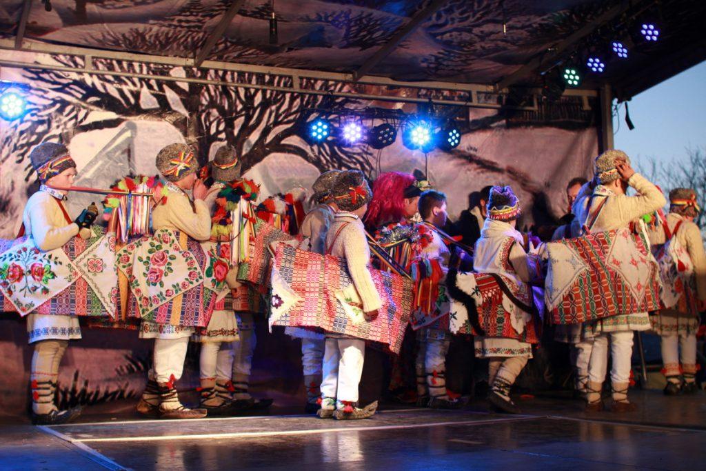 festivalul-de-datini-obiceiuri-si-traditii-de-iarna-borlesti-2016-252