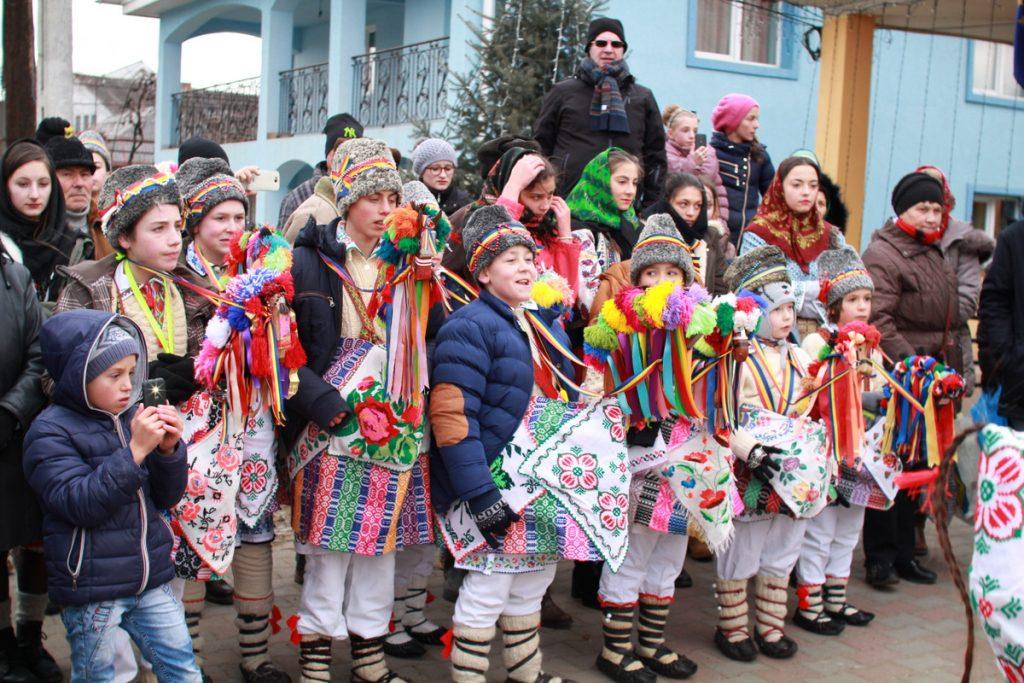festivalul-de-datini-obiceiuri-si-traditii-de-iarna-borlesti-2016-26