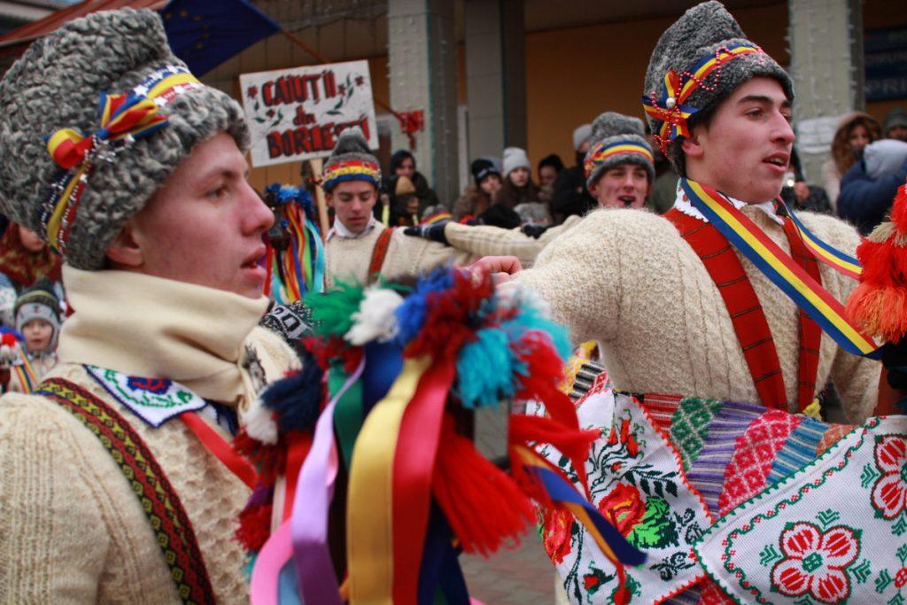 festivalul-de-datini-obiceiuri-si-traditii-de-iarna-borlesti-2016-27