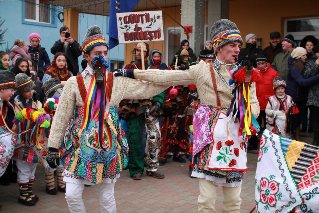 festivalul-de-datini-obiceiuri-si-traditii-de-iarna-borlesti-2016-29