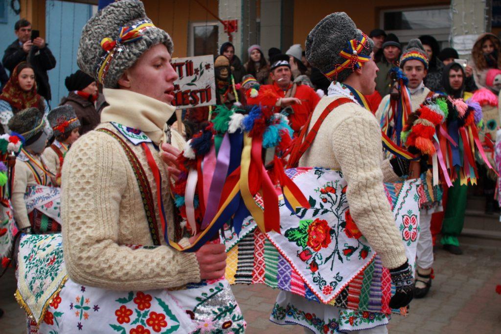 festivalul-de-datini-obiceiuri-si-traditii-de-iarna-borlesti-2016-30