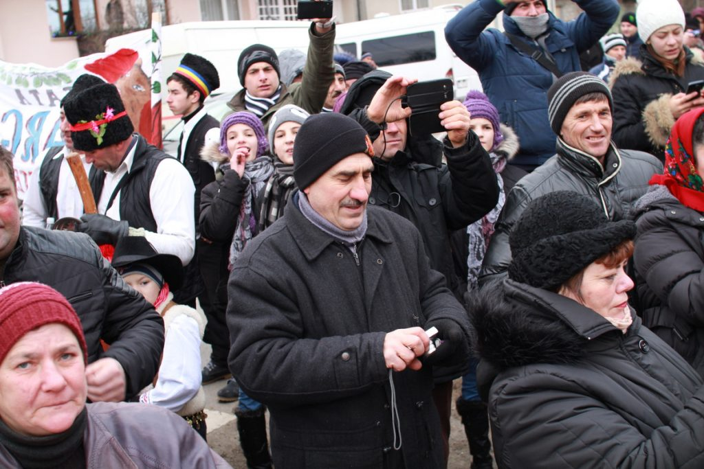 festivalul-de-datini-obiceiuri-si-traditii-de-iarna-borlesti-2016-31