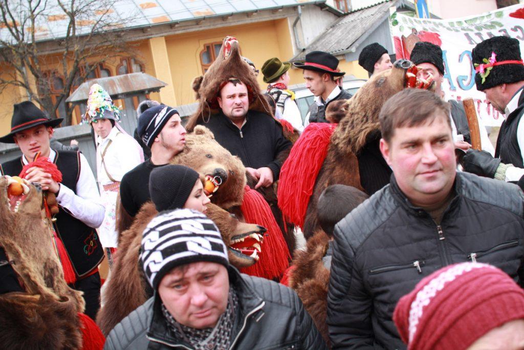 festivalul-de-datini-obiceiuri-si-traditii-de-iarna-borlesti-2016-32