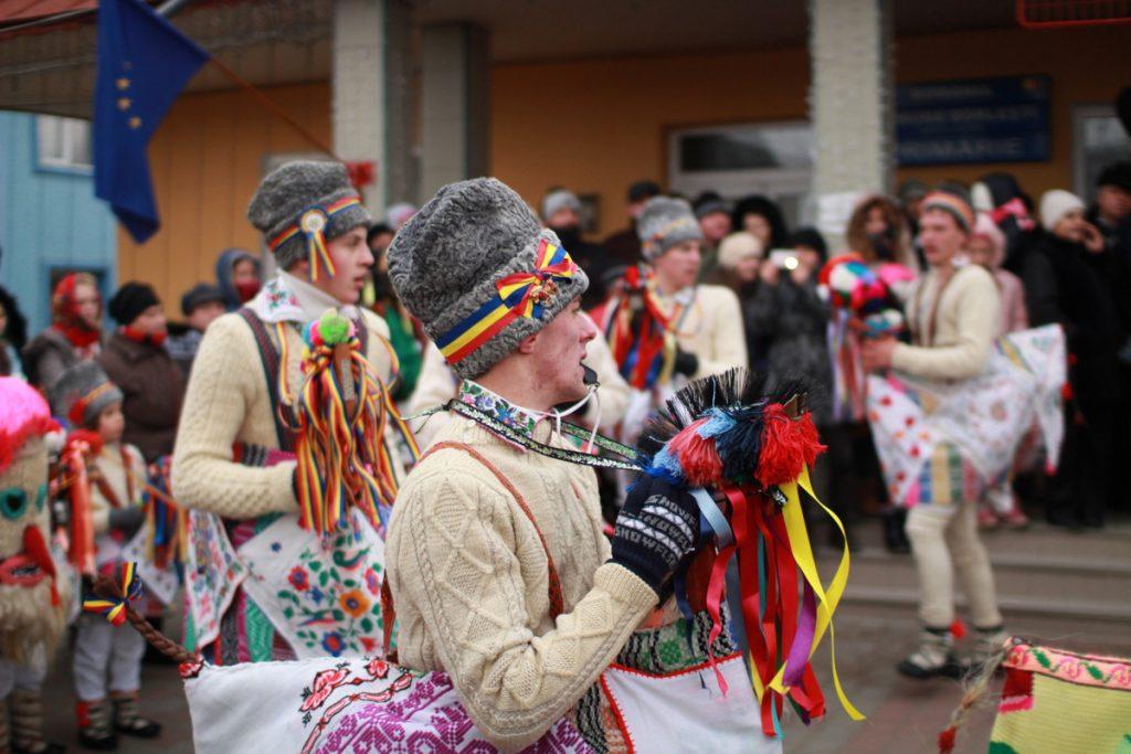 festivalul-de-datini-obiceiuri-si-traditii-de-iarna-borlesti-2016-34
