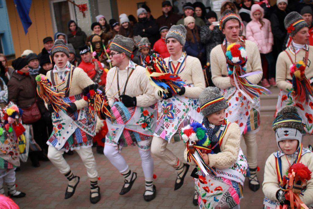 festivalul-de-datini-obiceiuri-si-traditii-de-iarna-borlesti-2016-37