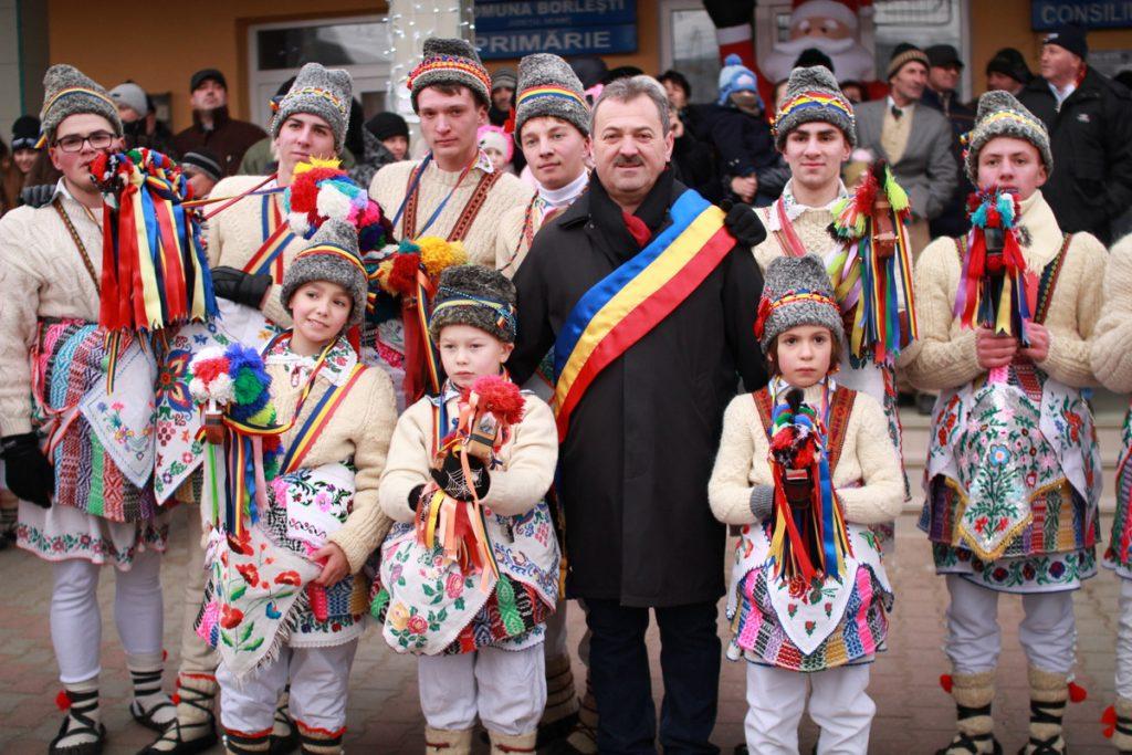 festivalul-de-datini-obiceiuri-si-traditii-de-iarna-borlesti-2016-43