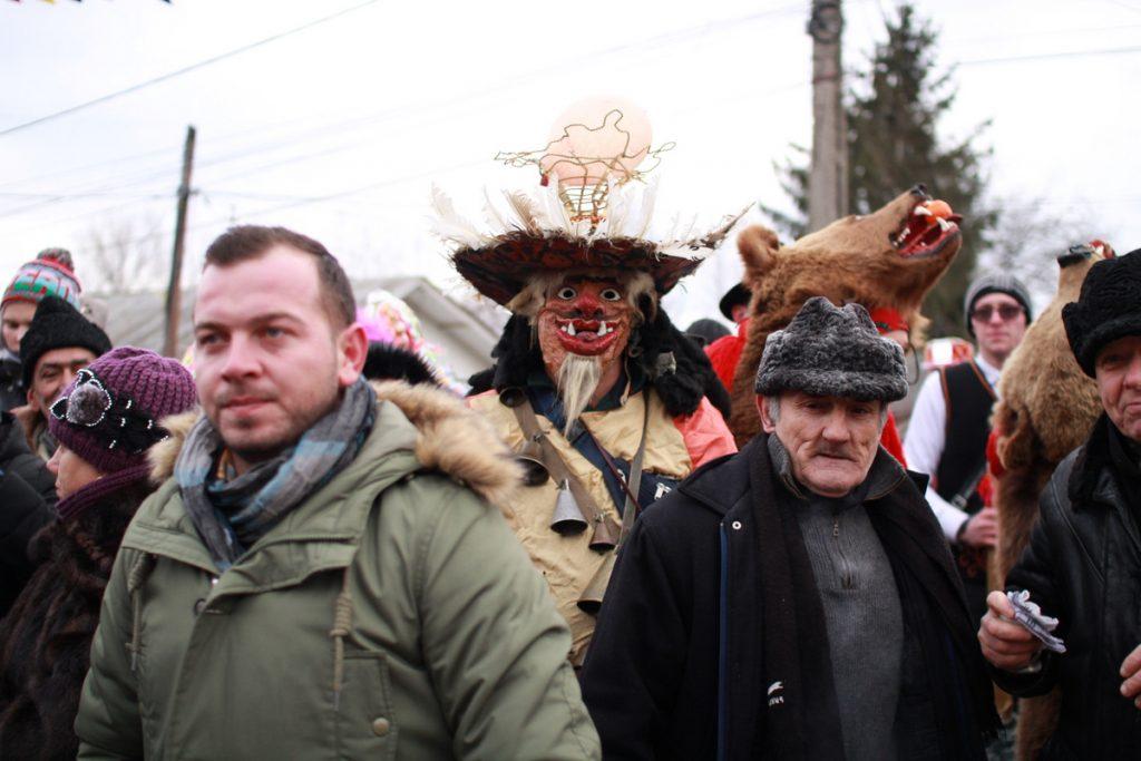 festivalul-de-datini-obiceiuri-si-traditii-de-iarna-borlesti-2016-44