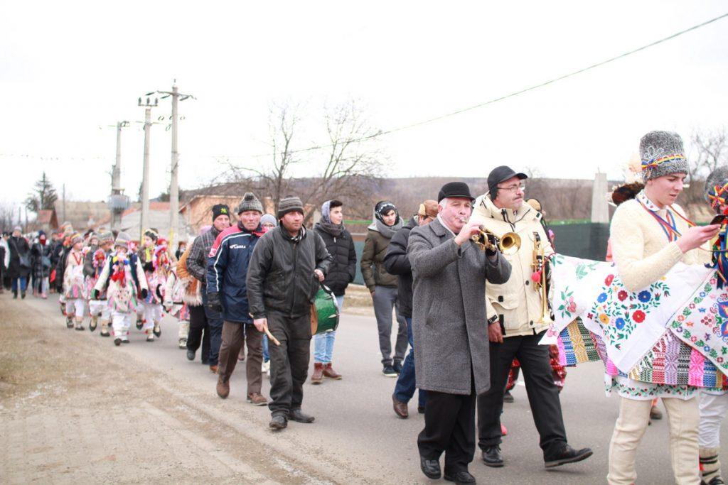 festivalul-de-datini-obiceiuri-si-traditii-de-iarna-borlesti-2016-55