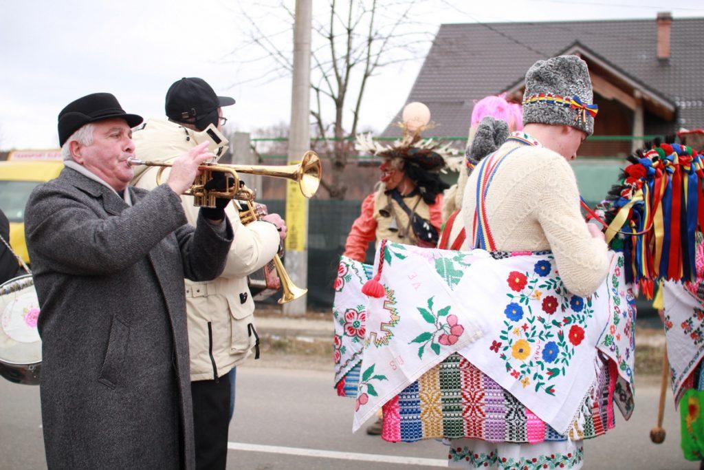 festivalul-de-datini-obiceiuri-si-traditii-de-iarna-borlesti-2016-56