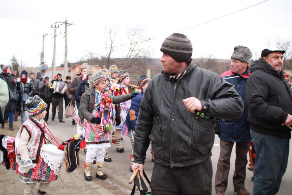 festivalul-de-datini-obiceiuri-si-traditii-de-iarna-borlesti-2016-59