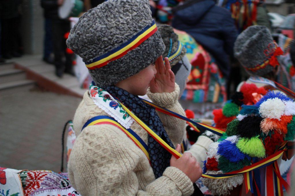 festivalul-de-datini-obiceiuri-si-traditii-de-iarna-borlesti-2016-6