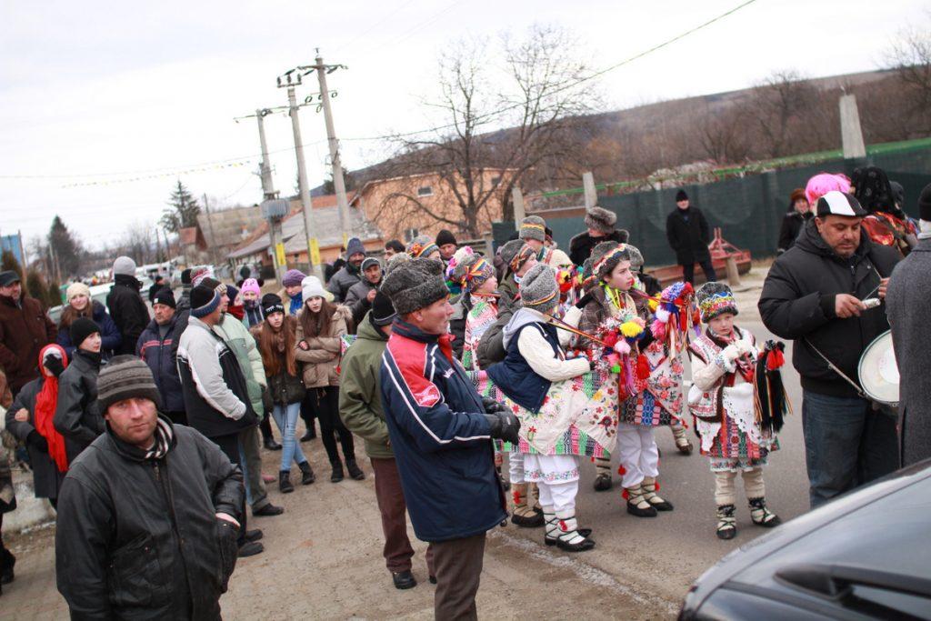 festivalul-de-datini-obiceiuri-si-traditii-de-iarna-borlesti-2016-62