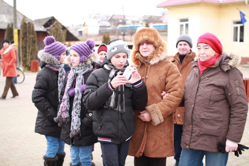 festivalul-de-datini-obiceiuri-si-traditii-de-iarna-borlesti-2016-67