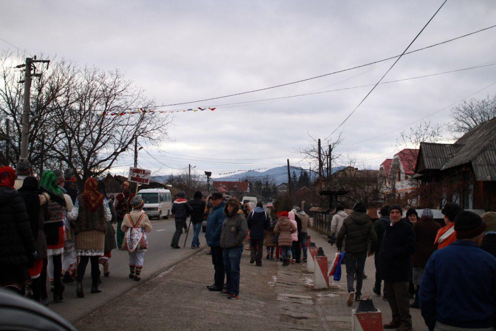 festivalul-de-datini-obiceiuri-si-traditii-de-iarna-borlesti-2016-68