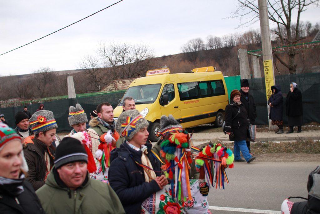festivalul-de-datini-obiceiuri-si-traditii-de-iarna-borlesti-2016-71