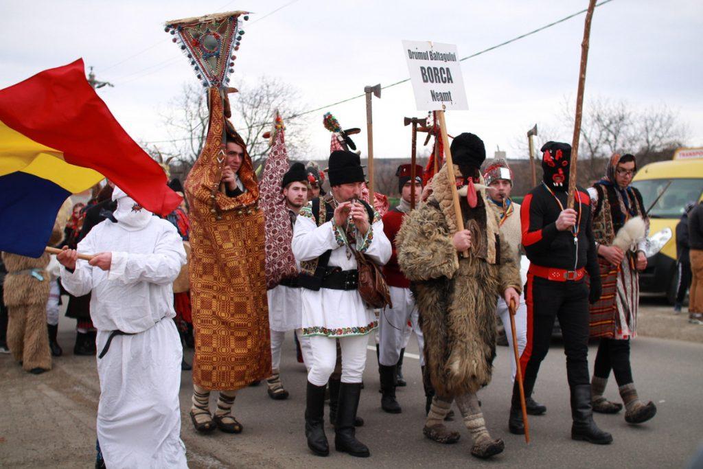 festivalul-de-datini-obiceiuri-si-traditii-de-iarna-borlesti-2016-79