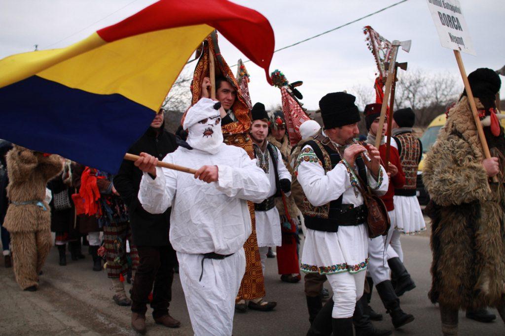 festivalul-de-datini-obiceiuri-si-traditii-de-iarna-borlesti-2016-80