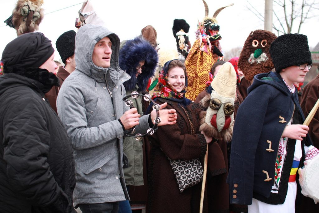 festivalul-de-datini-obiceiuri-si-traditii-de-iarna-borlesti-2016-82