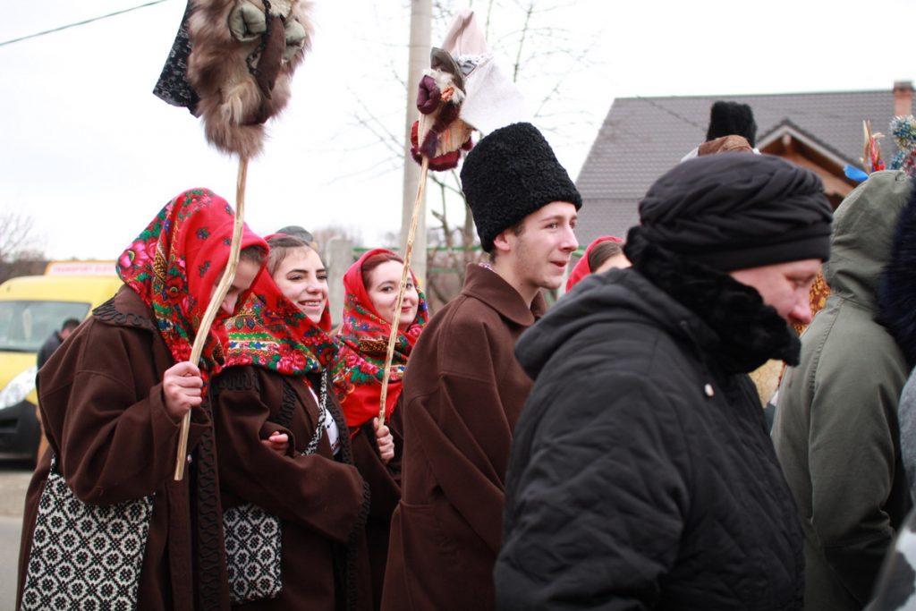 festivalul-de-datini-obiceiuri-si-traditii-de-iarna-borlesti-2016-83