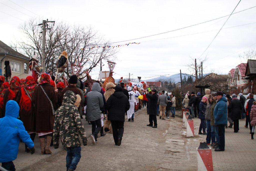 festivalul-de-datini-obiceiuri-si-traditii-de-iarna-borlesti-2016-85