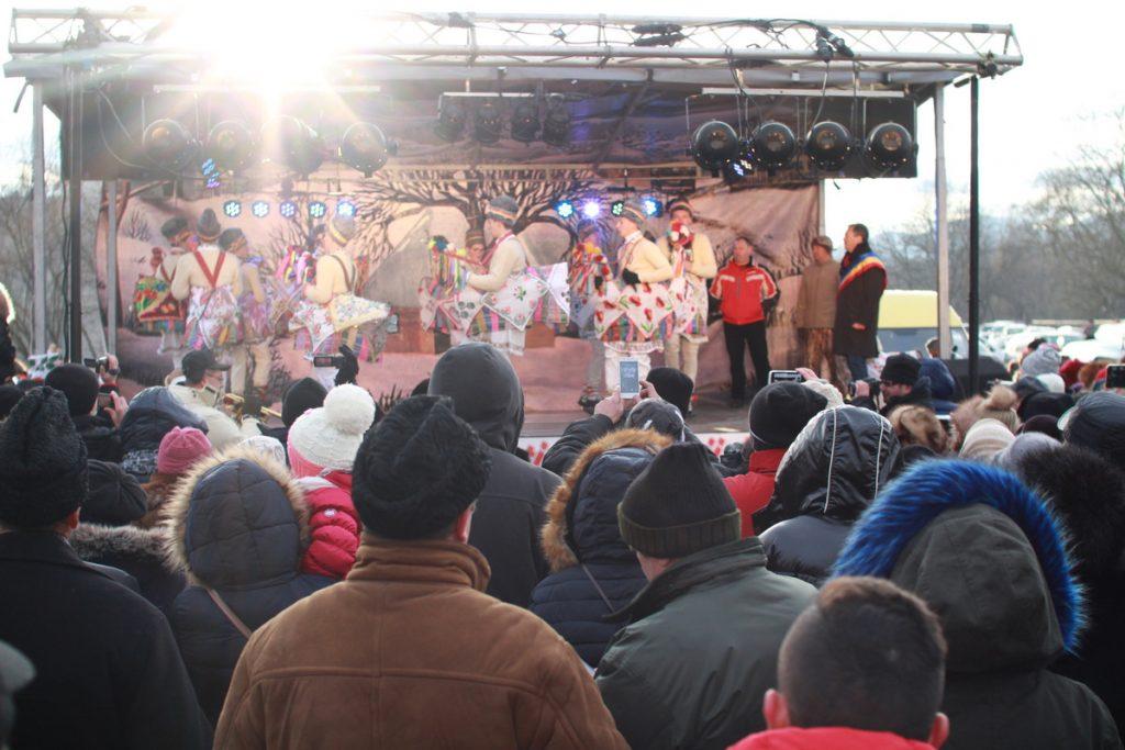 festivalul-de-datini-obiceiuri-si-traditii-de-iarna-borlesti-2016-93