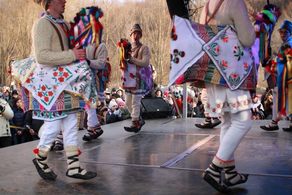 festivalul-de-datini-obiceiuri-si-traditii-de-iarna-borlesti-2016-98